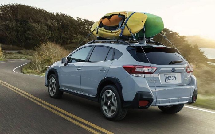 2019 Subaru Crosstrek With yellow and green kayaks