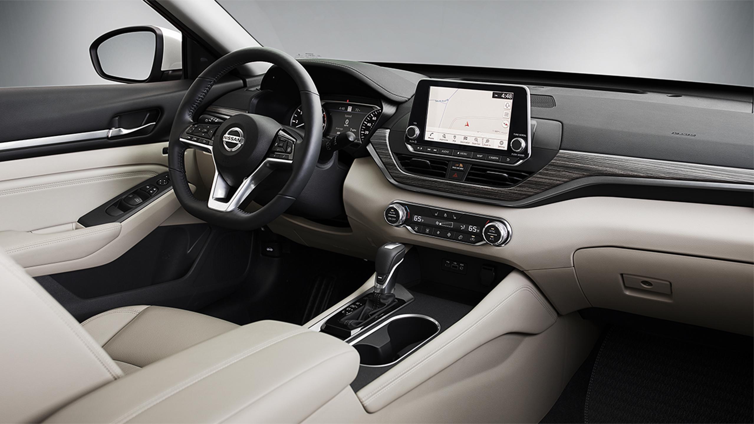 2019 Nissan Altima white interior