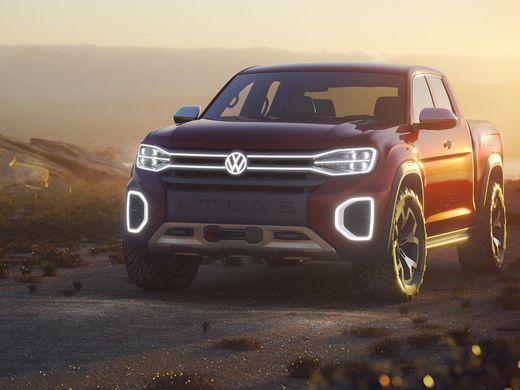 2018 Volkswagen Truck with desert in the background