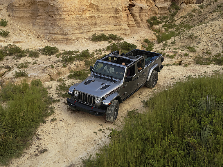 Jeep Gladiator Silver Offroad